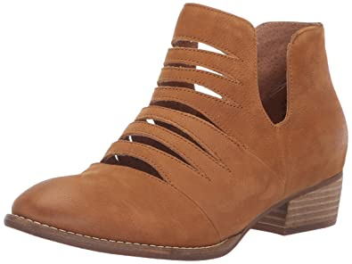 5ffebd7fe1 Amazon.com  Seychelles Women s Iceberg Fashion Boot  Shoes