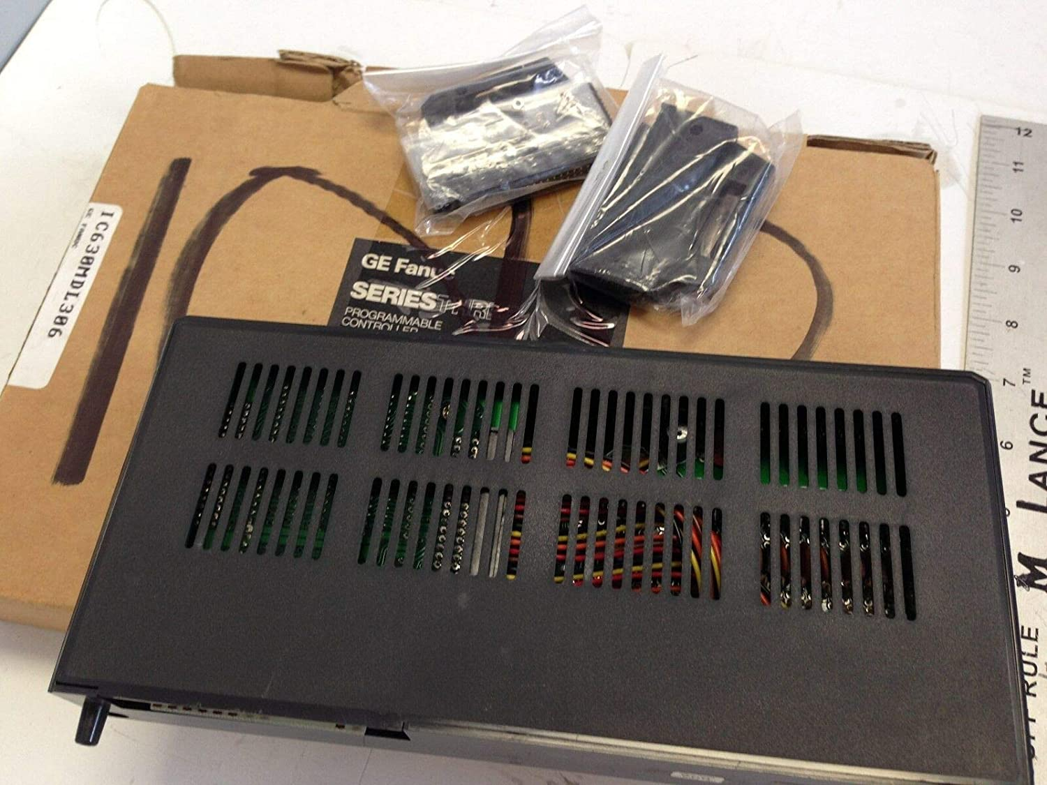 NEW GE FANUC IC630MDL306A INPUT MODULE D CON W//LED 24VDC 32POINT,SV