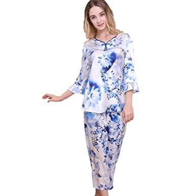 76663d34b7 Image Unavailable. Image not available for. Color  Chesslyre Women s  Chinese Knot Button V-Neck Mulberry Silk Printing Pajamas Set