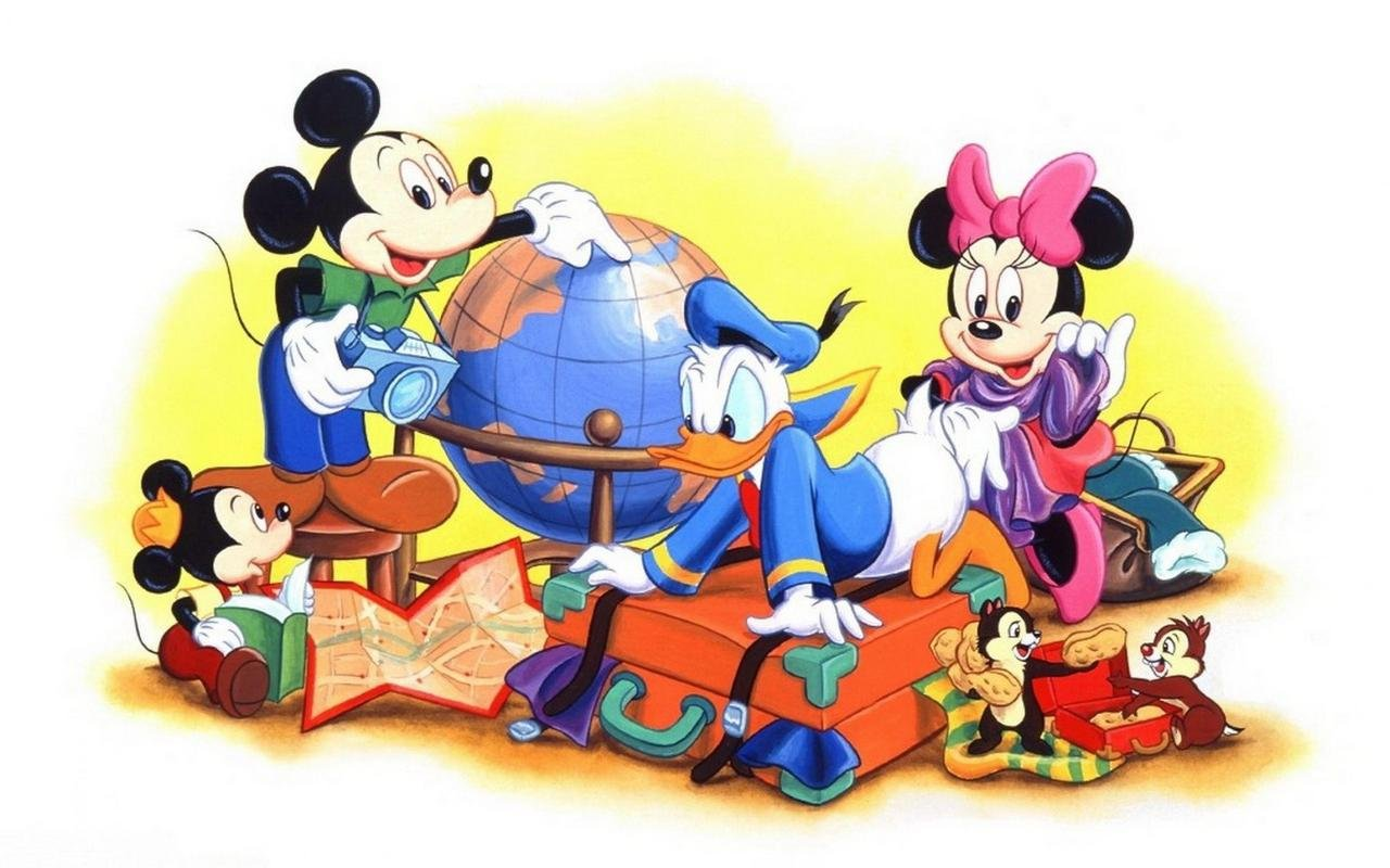 R Print Mickey Mouse And Friends Hd Wallpaper Multicolor