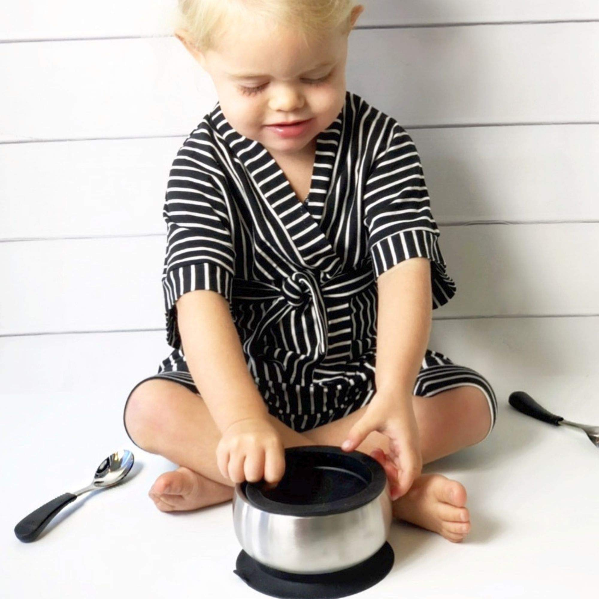 Avanchy Stainless Steel Baby, Toddler Feeding Divided Plate + Bowl + 2 Spoons Giftset. Infant, Kid or Child Gift. 18/8, BPA Free, BPS Free, Lead Free and Phthalate Free. Blue by Avanchy (Image #4)