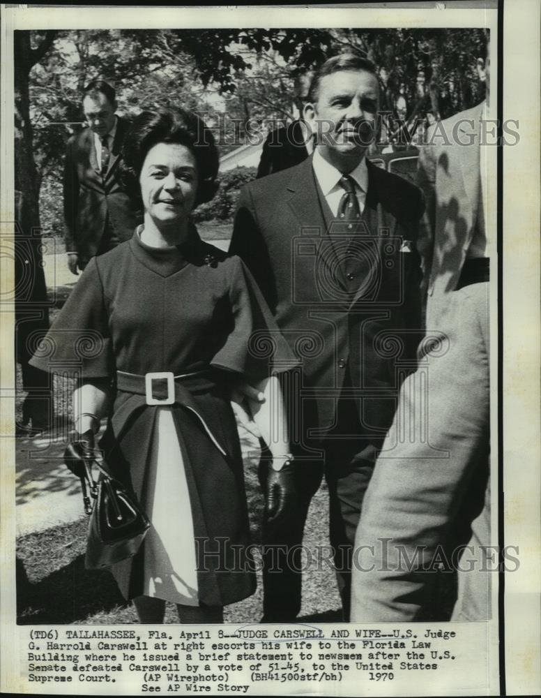 Amazon.com: Vintage Photos 1970 Press Photo Judge G. Harrold Carswell  escorts Wife to Florida Law Building - 10.25 x 8 in. - Historic Images:  Photographs