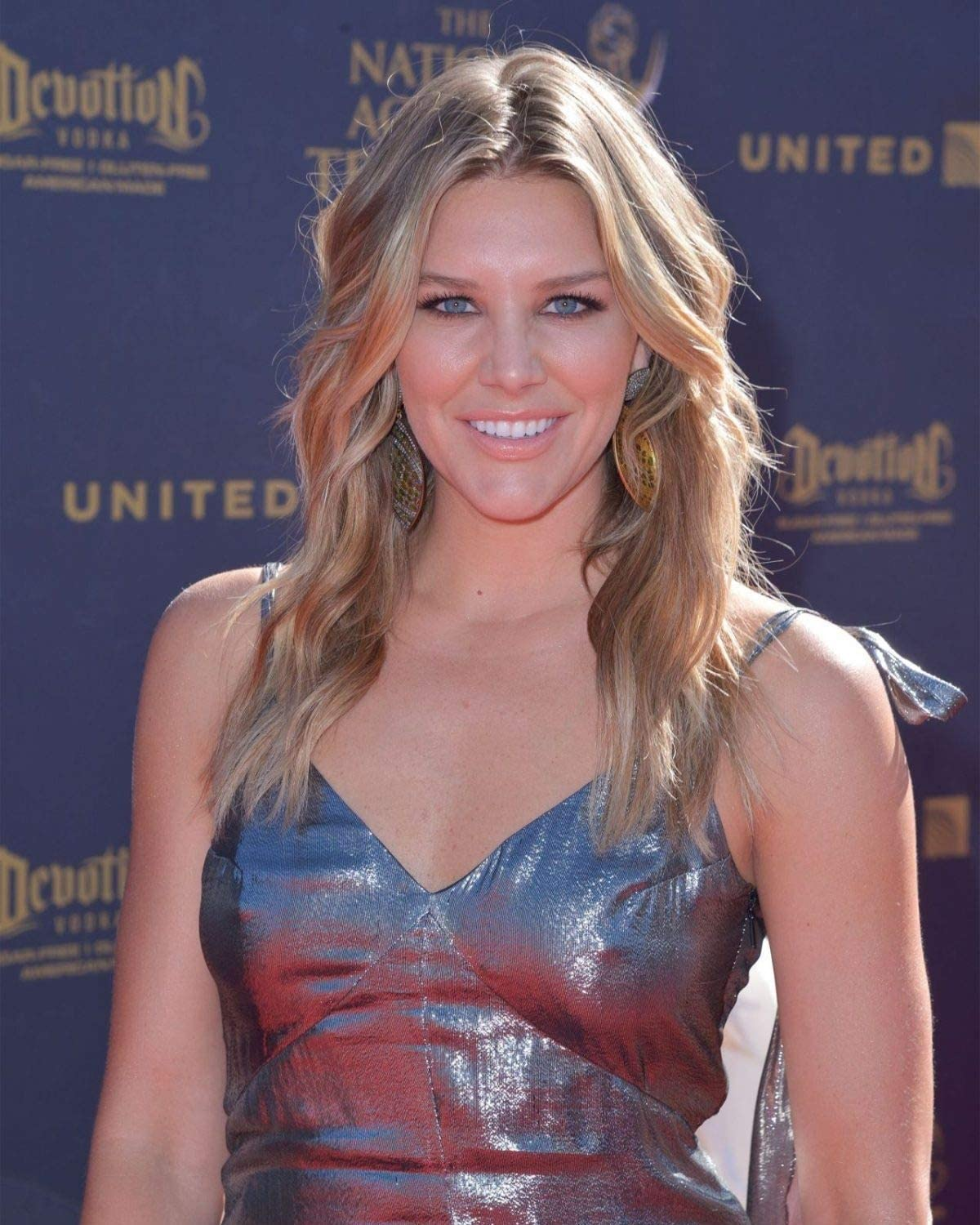 Charissa Thompson Fox Broadcaster Discusses Leaked Photos Sports Illustrated