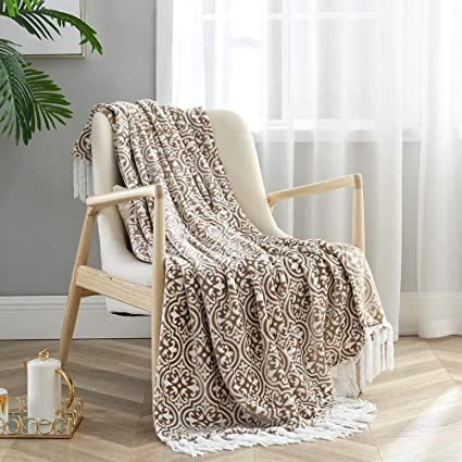 Marvelous Amazon Com Monarca Flannel Throw Blanket With Deceorative Gmtry Best Dining Table And Chair Ideas Images Gmtryco