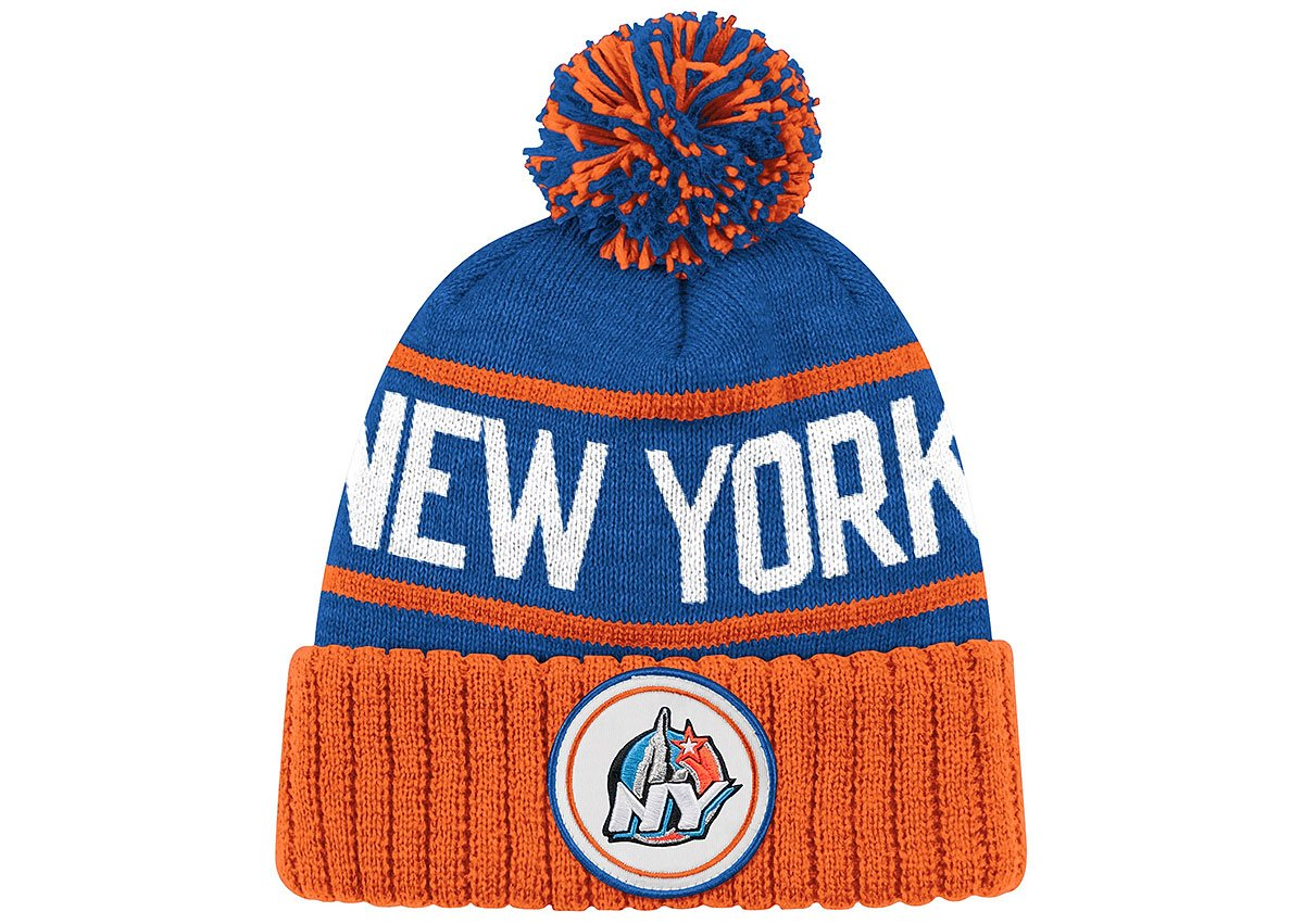 d2b6beeffbb Amazon.com   Mitchell   Ness New York 2015 All-Star Collection 1998 High 5  Beanie NBA Blue All-Star Knit   Sports   Outdoors