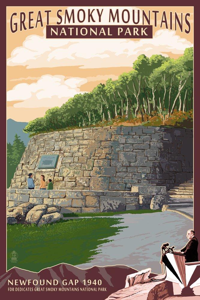 Newfound Gap - Great Smoky Mountains National Park, TN (9x12 Art Print, Wall Decor Travel Poster) by Lantern Press B00N5CN0F2  9 x 12 Art Print