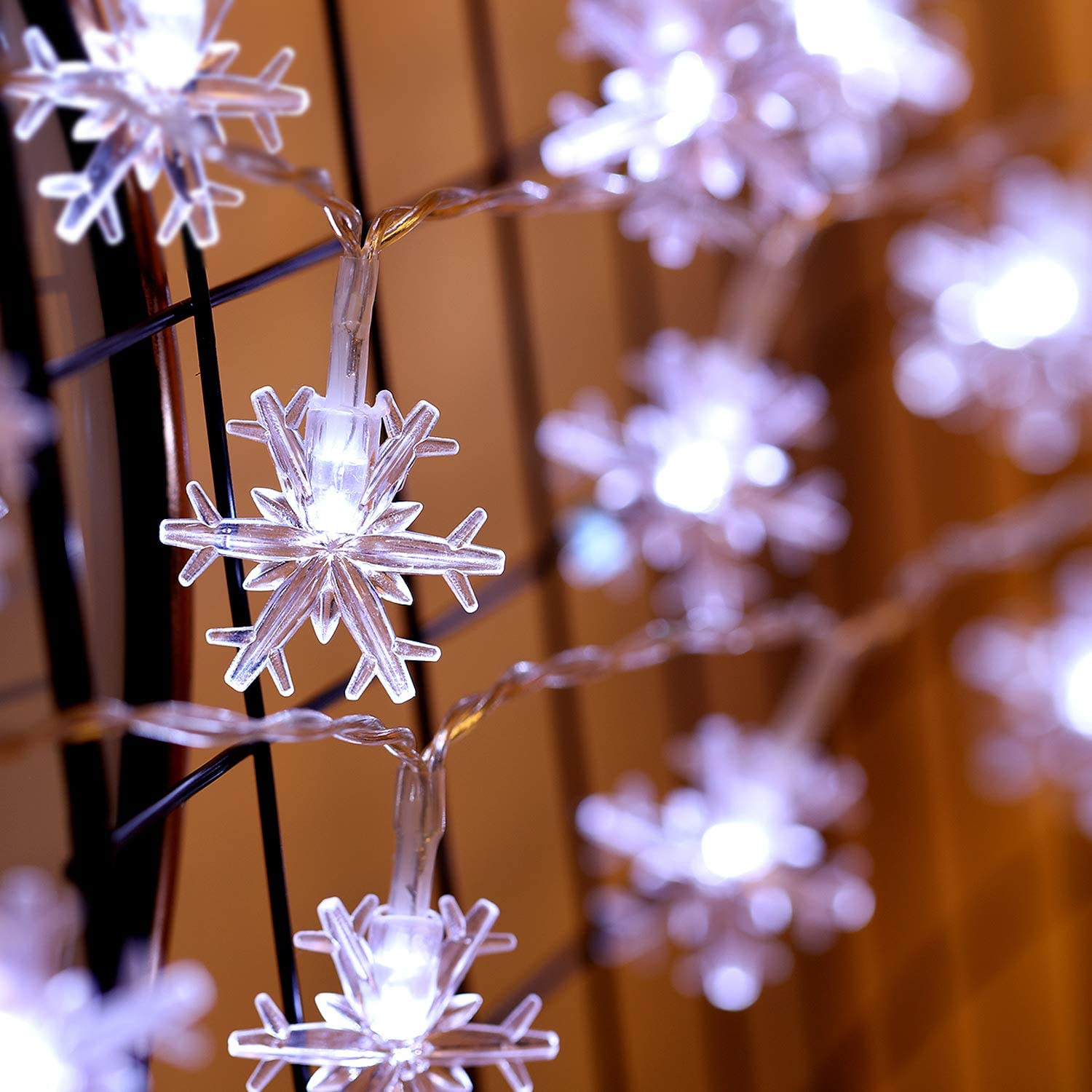 Winter Wonderland Snowflake String Lights, 10ft 30 LED, Battery Powered, 8 Modes, Remote and Timer Control Decoration for Snow Theme Church Wedding Birthday Parties (Cold White)
