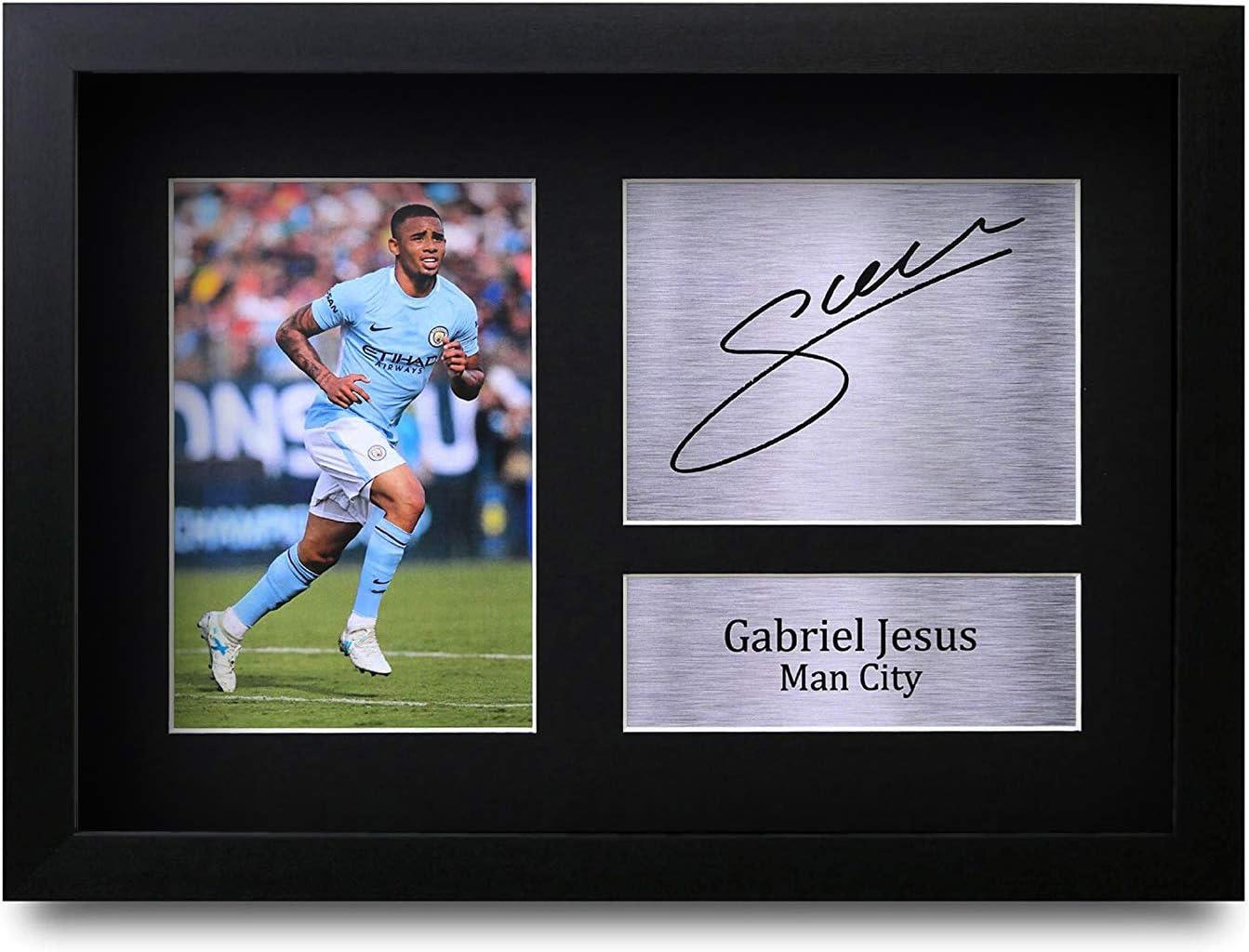HWC Trading Gabriel Jesus A4 Incorniciato Firmato Regalo Visualizzazione delle Foto Print Immagine Autografo Stampato per Manchester City Tifosi di Calcio