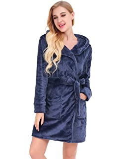103201bd9c Albornoz Corto English para Mujer Lounge Rose Iris amp  Lilly Rosa  RqUnx4FUEt