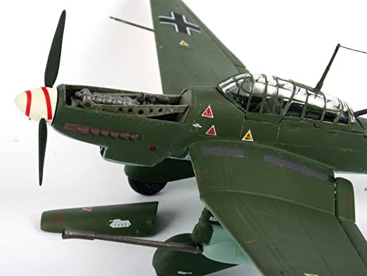 Revell Modellbausatz Flugzeug 1:72 Junkers Ju87 G//D Tank Buster im Maßstab 1:72