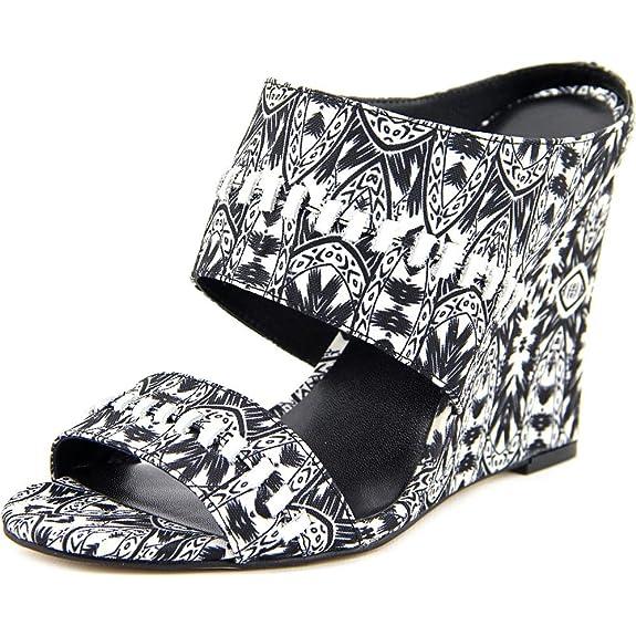 Amazon.com   Nicole Miller Artelier Women's Orlando Black/White Canvas 6.5  M   Sandals