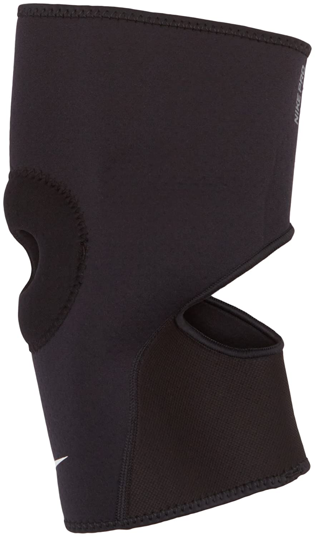 e9a76abfec Amazon.com: Nike PRO Combat Open-Patella Knee Sleeve 2.0 (Small,  Black/White): Sports & Outdoors