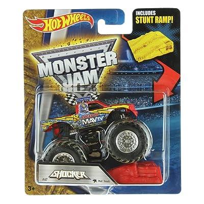 HOT WHEELS MONSTER JAM SHOCKER MUD TREADS #67 INCLUDES STUNT RAMP: Toys & Games