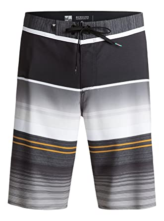 50a059613a56 Amazon.com: Quiksilver Men's Everyday Stripe Vee 21 Boardshort: Clothing