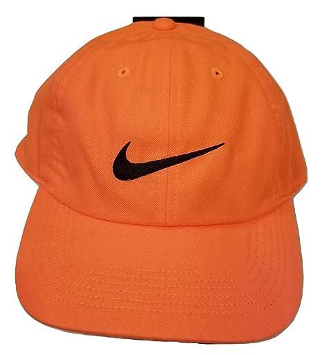 5e837e6bef2 Amazon.com  NIKE Brand New AeroBill H86 Cap Mens Bright Orange  Sports    Outdoors