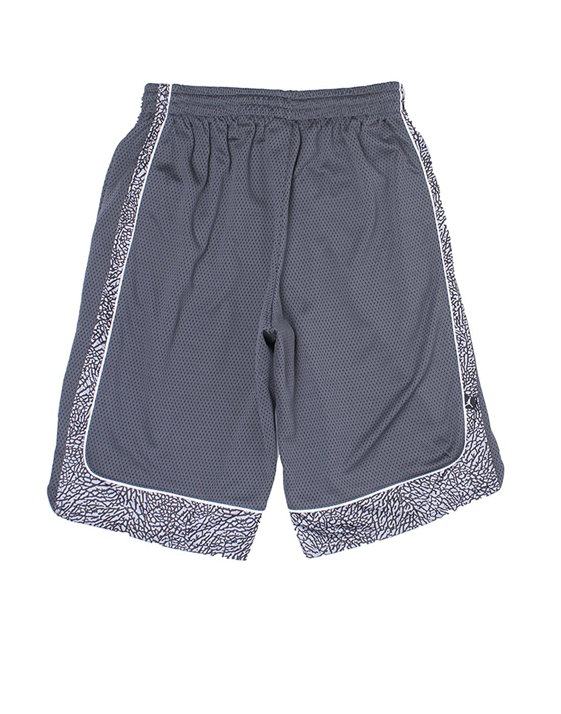ae7f889c15 Jordan Boys Grey Solid Shorts (_617846661052_Black_14 - 15 Years_):  Amazon.in: Clothing & Accessories