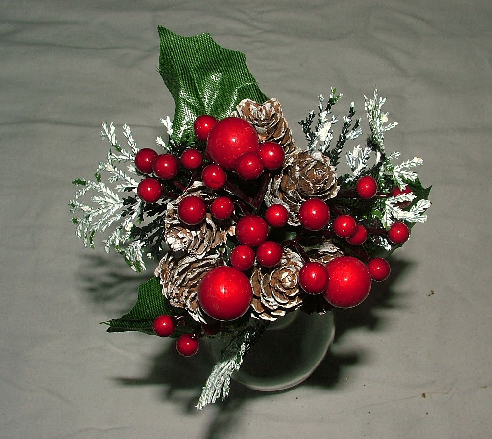6 x luxury frosted christmas picks berry and pine cones wreaths garlands floristry by a1homes amazoncouk kitchen u0026 home