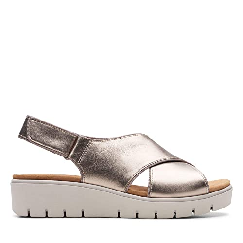 9c7b2b49355 Clarks Un Karely Sun Leather Sandals in Gold Metallic  Amazon.co.uk ...