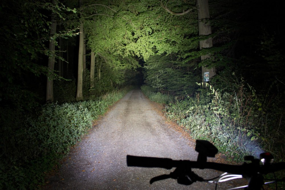 Magicshine MJ 902, 1600 Lumens Bike Light Set, Wireless Remote Bicycle Lights Front And Rear Combo, Rechargeable 2 CREE XM-L2 LED Bike Tail Light, Portable & Convenient Bright Bike Light by Magicshine (Image #7)