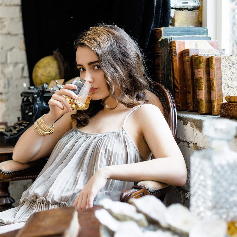 Dragon Glassware Diamond Whiskey Glasses, Premium Designer Tumblers for Spirits and Wine, 10-Ounces, Gift Boxed - Set of 4 by Dragon Glassware (Image #5)