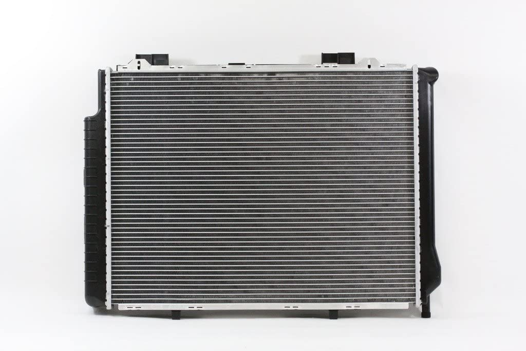 Radiator For 1998 1999 2000 2002 Mercedes-Benz E320 W210 3.2 V6 A//T// MT CU2290