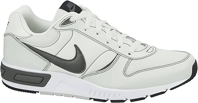 Nike Nightgazer - Zapatillas de Running para Hombre, Color Gris/Blanco/Gris Oscuro, Talla 47.5: Amazon.es: Zapatos y complementos
