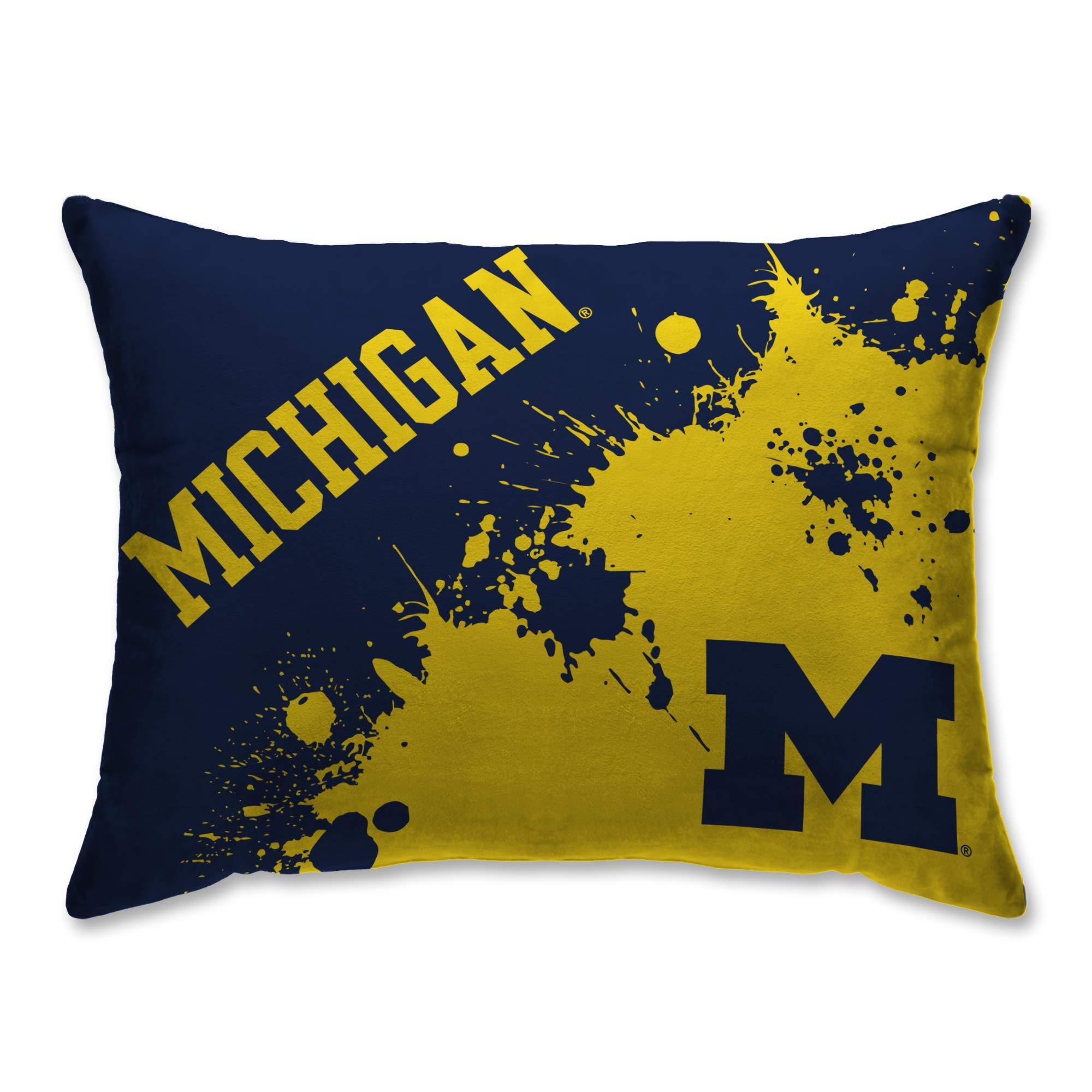 Pegasus Sports Michigan Wolverines Splatter 20'' x 26'' Plush Bed Pillow, Set of 2#128228453 by Pegasus Sports