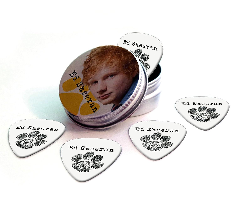 Ed Sheeran Set of 5 Logo Guitar Púa Para Guitarra in Tin: Amazon ...