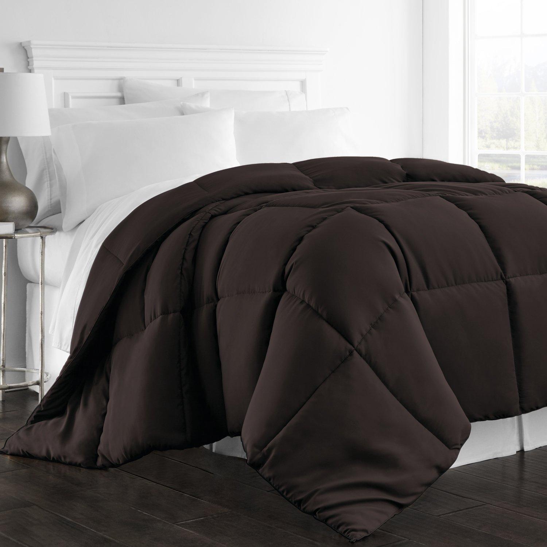 Beckham Hotel Collection 1300 Series - All Season - Luxury Goose Down Alternative Comforter - Hypoallergenic -Full/Queen - Chocolate