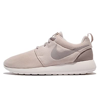 Nike Womens Roshe Two SE (5 B (M) US)