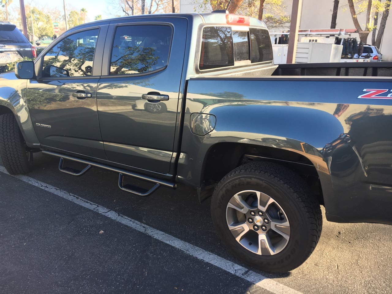 Ajaa 2015-2018, 2019 Chevy Colorado/GMC Canyon Crew Cab Black Hoop Running Boards (Nerf Bars | Side Steps | Rails)