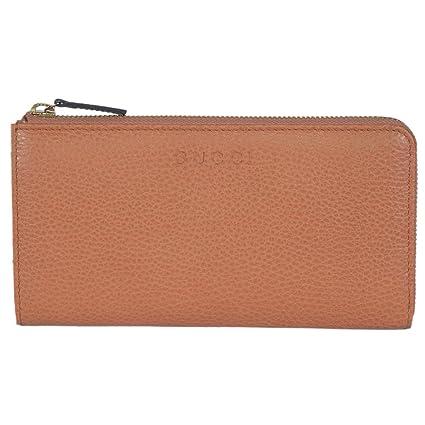10bc075643b Amazon.com  Gucci Women s Saffron Brown Leather Zip Wallet 332747  Home    Kitchen