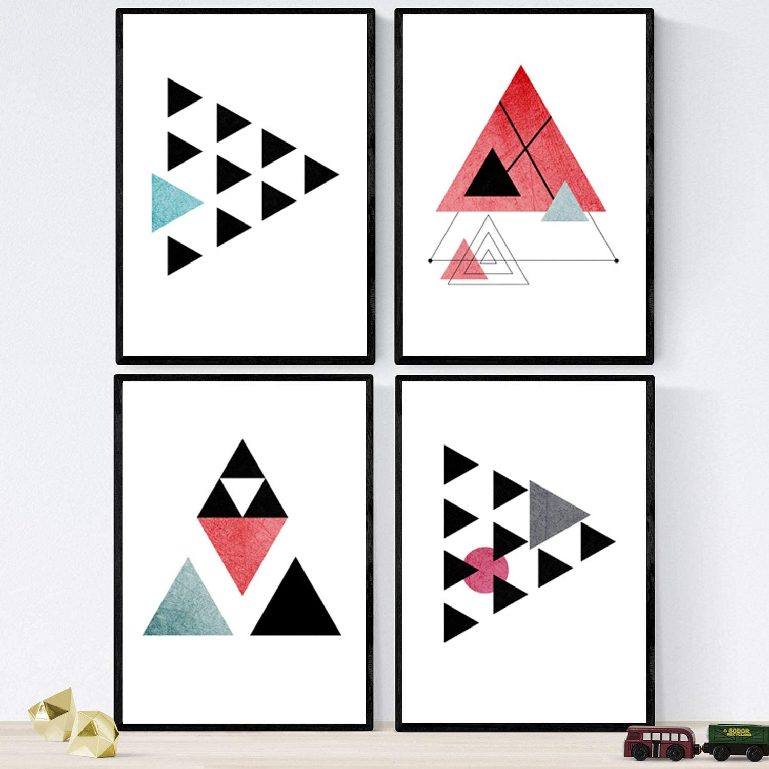 Nacnic Prints Geometric Style Strawberries - Set of 4-250g Paper - Beautiful Poster Painting for Home Office Living Room