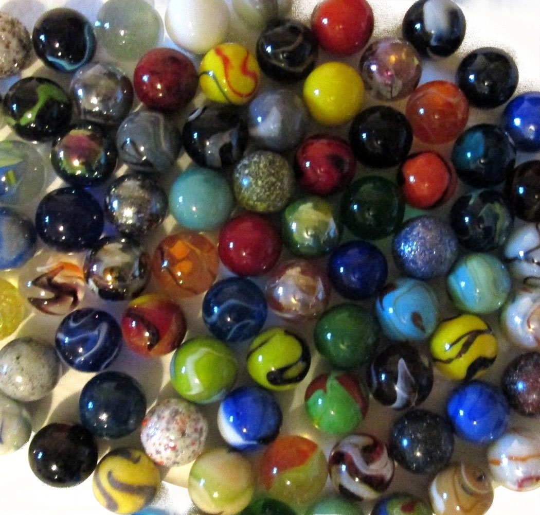 Unique & Custom {1'' Inch} Set of Approx 35 Big ''Round'' Opaque & Clear Marbles Made of Glass for Filling Vases, Games & Decor w/ Cool Variety Cat's Eye & Swirl Classic Design [Assorted Colors]
