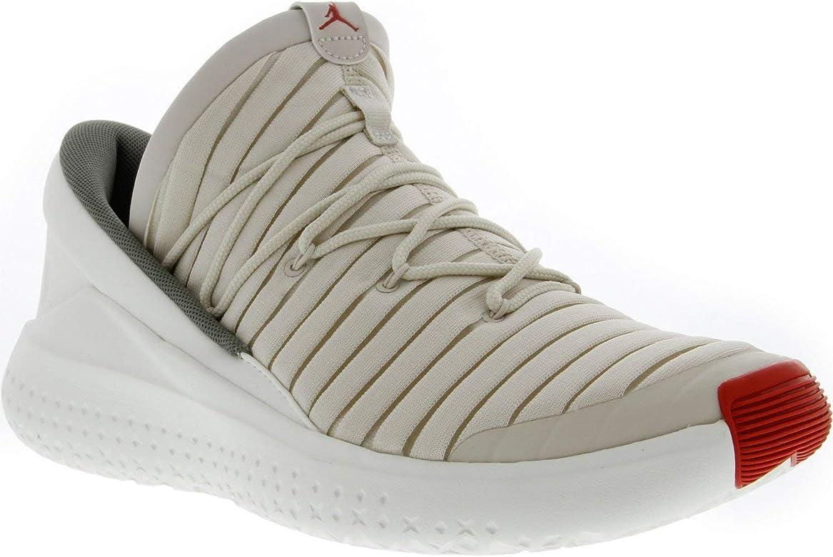 4068a65485c45 Nike Men's Flight Luxe Training Shoe