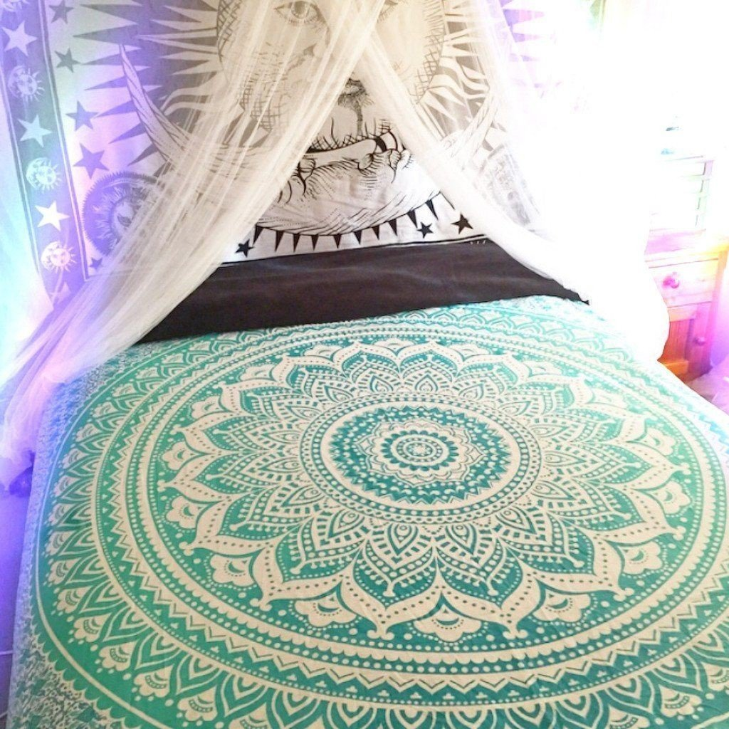 Amazon.com: RawyalCrafts Green Ombre Tapestry,Indian Hippie Tapestry, Wall  Hanging,Bohemian Wall Hanging,Mandala Tapestry,New Age Tapestry,Gypsy  Tapestry By ...