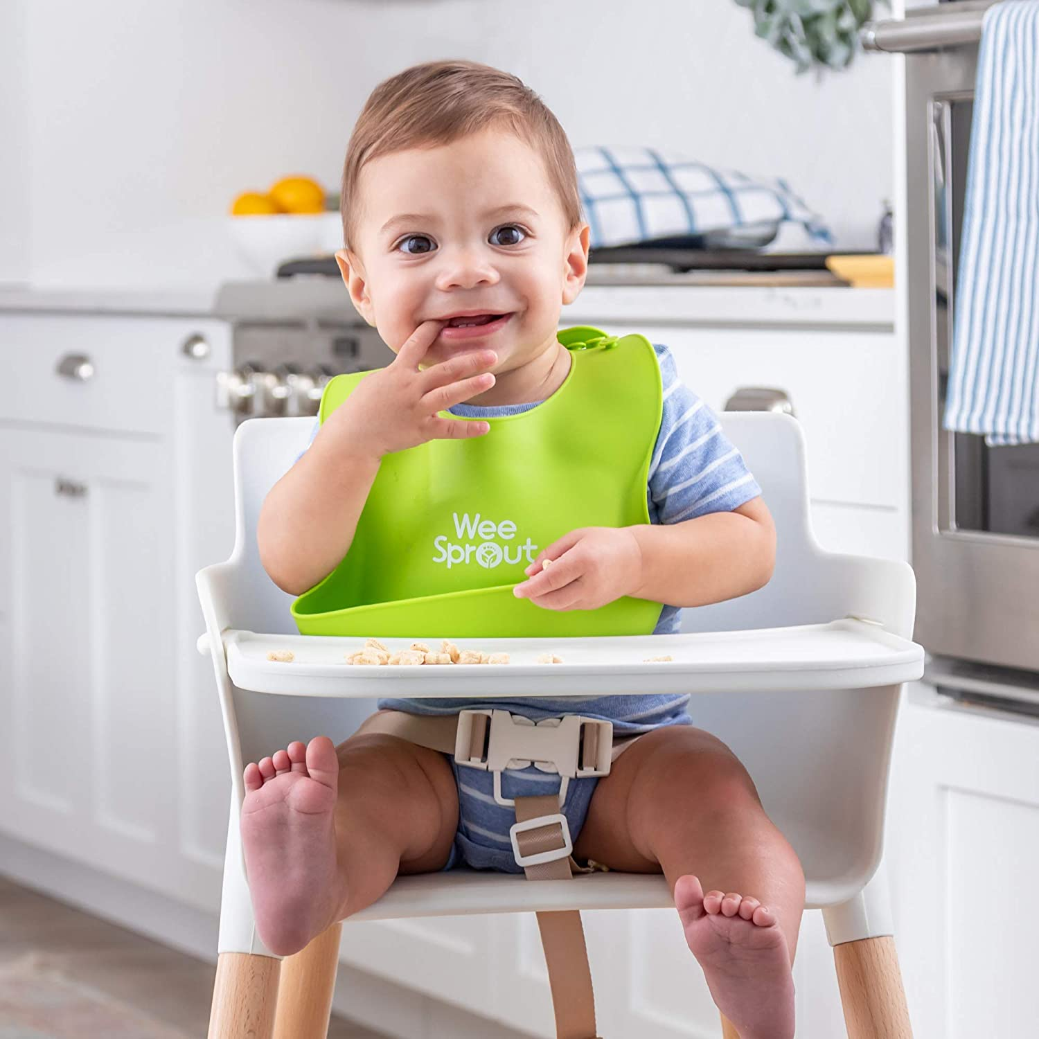 Modern Wood Design Adjustable Footrest//Legs Removable Tray//Armrest 3-in-1 High Chair//Booster//Chair Easy to Assemble WeeSprout Wooden High Chair for Babies /& Toddlers Grows with Your Child