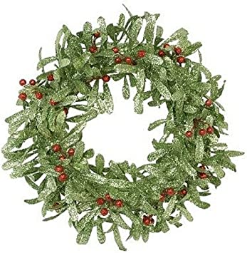 Amazon Com Fantastic Craft Green Red Holly Berry Wreath 24 Inch Home Kitchen