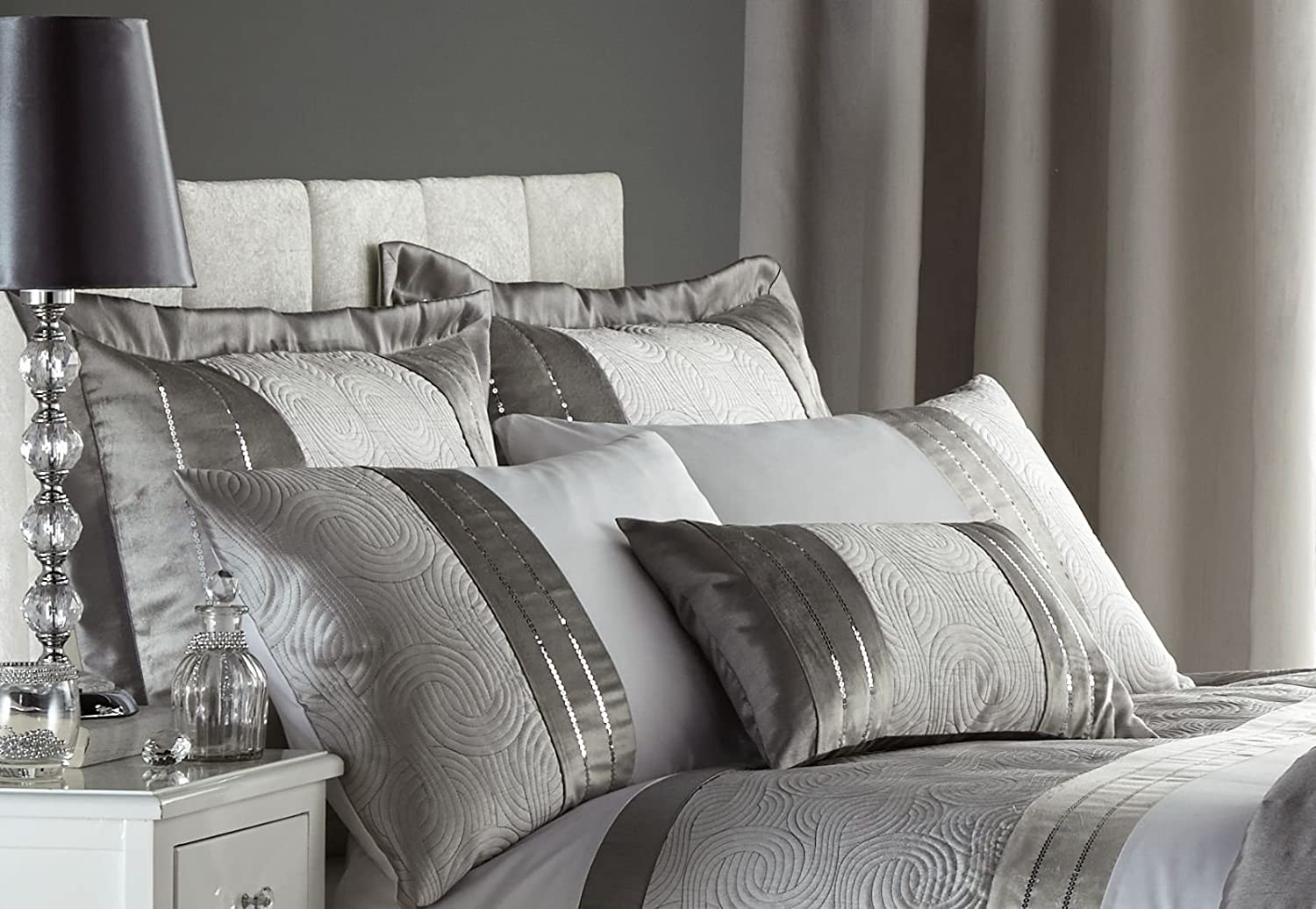 240 x 260 Cm Turner Bianca BDB3-2054-W24026-Silver Catherine Lansfield Gatsby Sequin Embroidered Bedspread Silver