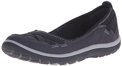c4bfead0f3e Clarks Women s Aria Pump Flat  Amazon.ca  Shoes   Handbags