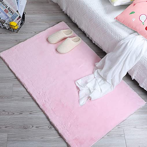 HLZHOU Super Soft Faux Rabbit Fur Rug Fluffy Rug for The Bedroom Living Room or Nursery Home Decoration No Shedding Non-Slip Durable 2.5 x 4 Feet 75 X 120 cm , Square Pink