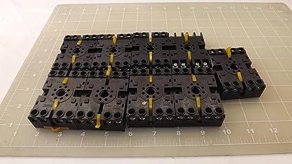 P2CF08E NEW NO BOX OMRON P2CF-08-E