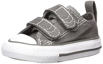 wholesale dealer b6a01 76892 Converse Kids Baby Chuck Taylor 2V Ox (Infant Toddler), Charcoal White