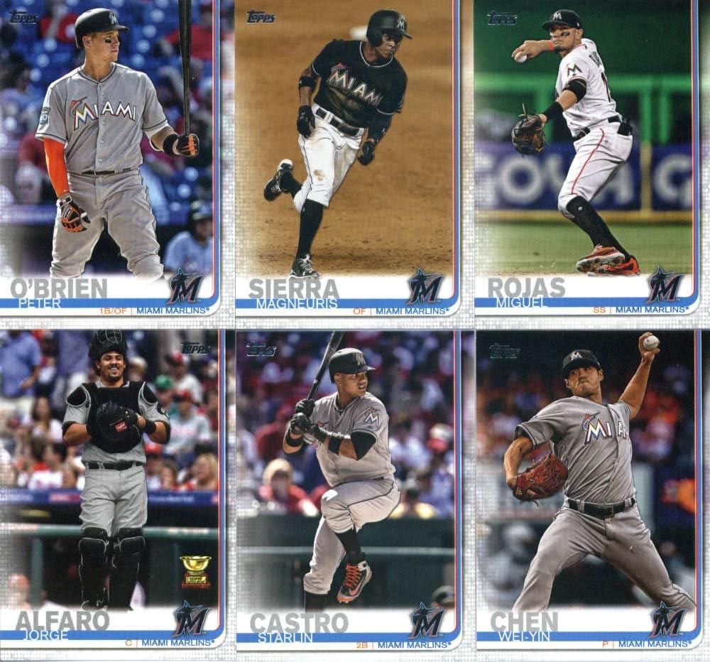 2019 Topps #555 Marlins Park Miami Marlins Baseball Card