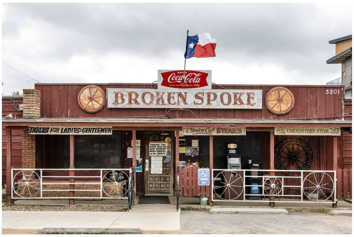 Austin, TX - Photo - - The Broken Spoke, a dance hall and self-proclaimed ''honky-tonk,'' or bar that provides musical (usually country) entertainment, in Austin, Texas - Carol Highsmith