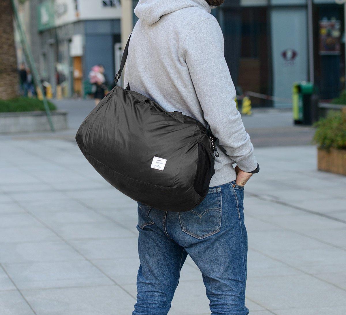dames et hommes r/ésistant /à leau en nylon Naturehike 32L Ultra-l/éger Sacs de gymnastique pliables 145g Sports Holdall Duffel Bag pour femmes