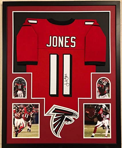 6ef84a33b86 FRAMED ATLANTA FALCONS JULIO JONES AUTOGRAPHED SIGNED JERSEY JSA COA at  Amazon s Sports Collectibles Store