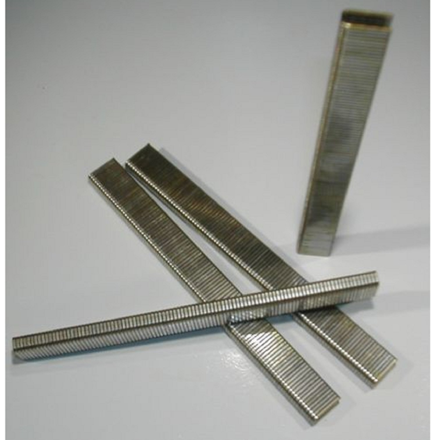USA Premium Store 1/4'' Inch Narrow Crown Staples 18 gauge 5/8'' Inch Long (5,000 pcs) GALVANIZED