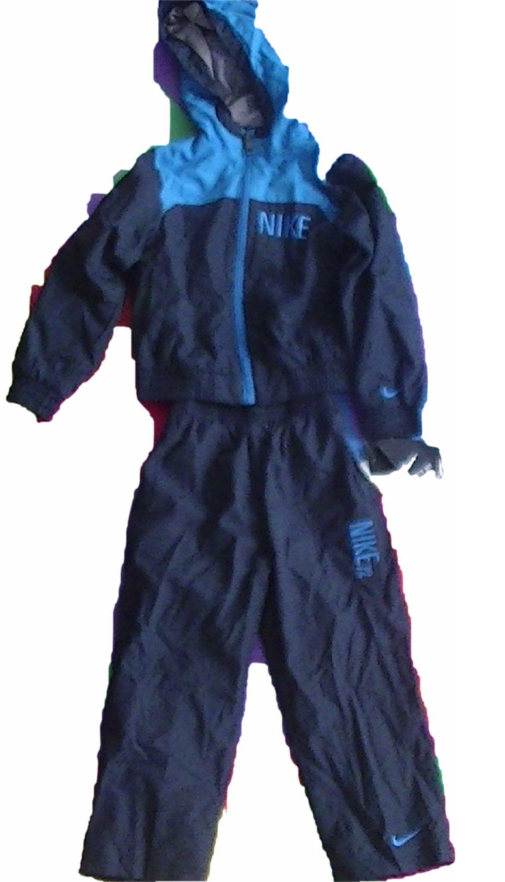 NIKE 2 Piece Toddler Sweatsuit 4 … by NIKE