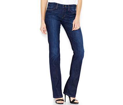 aa835b21980bf Amazon.com  Joe s Jeans Women s Honey Curvy Bootcut in Danitza  Clothing